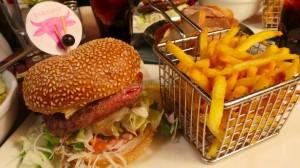 Cheeseburger (17.-)
