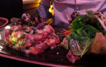 Tartare de saumon au Yuzu et basilic thaï