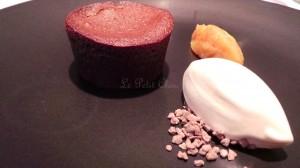 Moelleux au chocolat, crème glacée café blanc (9.50 euros)