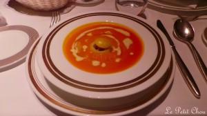 Soupe de potimarron, salpicon de châtaignes et pâtisson