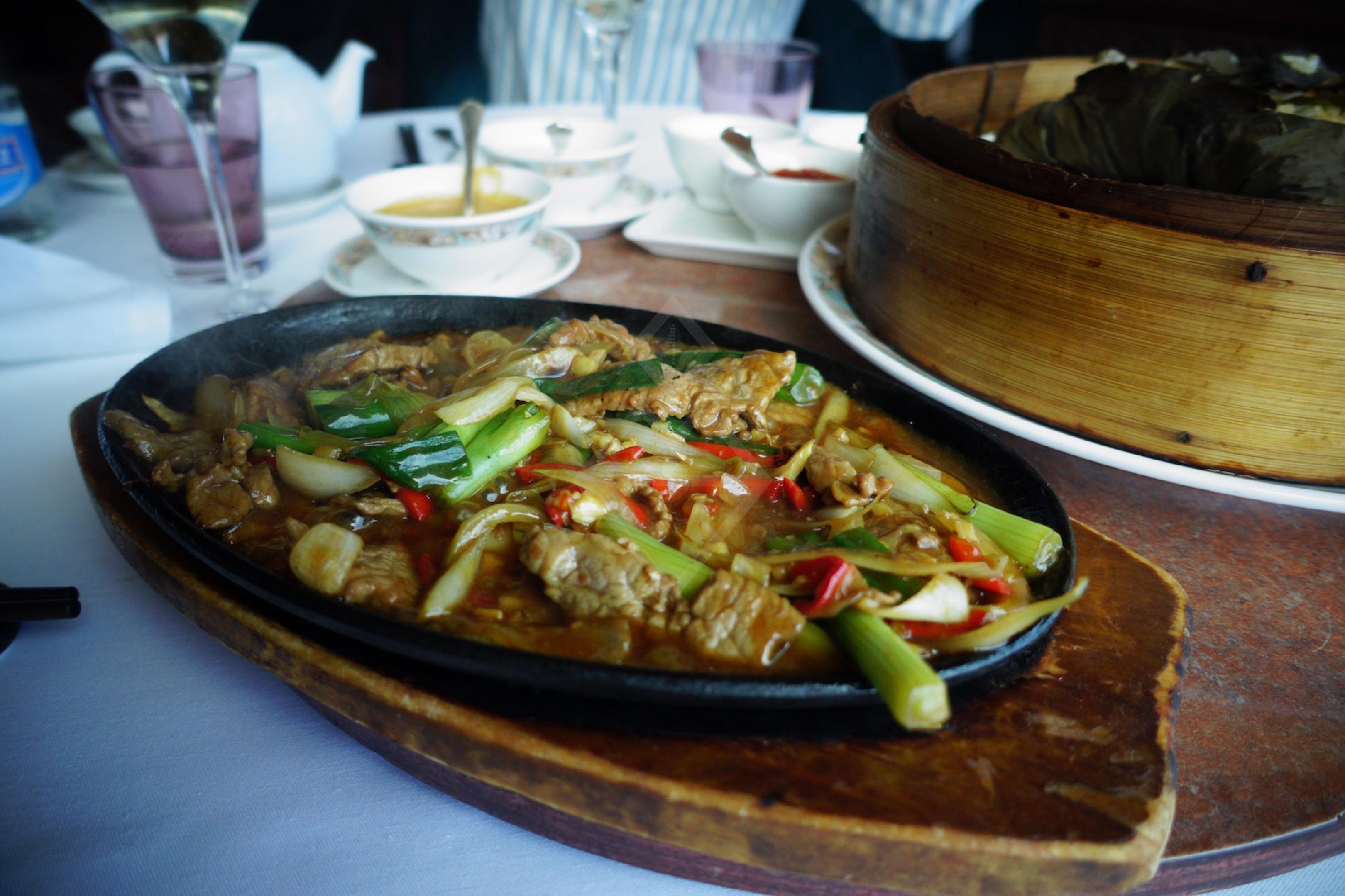 le restaurant chinois tse yang devient le l u one le petit chou in geneva. Black Bedroom Furniture Sets. Home Design Ideas